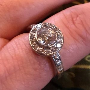 Absolutely Stunning faux diamond ring